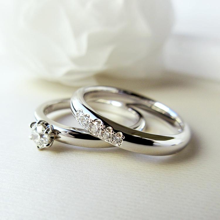 鍛造のブライダルリングブランドかたむの春光の婚約指輪と結婚指輪