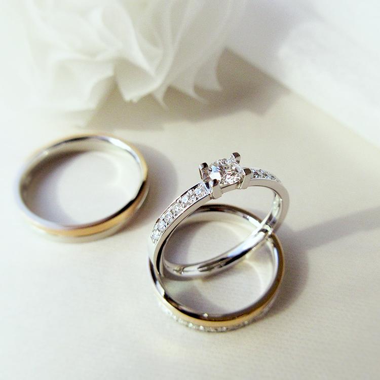 鍛造のブライダルリングかたむの八千代の婚約指輪と結婚指輪,きらきら光るグレーシャスダイヤモンド