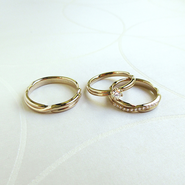 鍛造のブライダルリングブランドかたむの縁の結婚指輪と婚約指輪